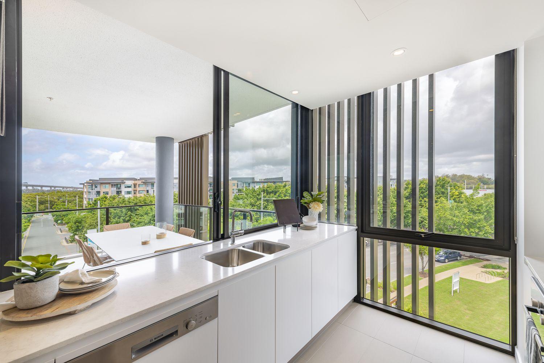 10604/320 Macarthur Avenue, Hamilton QLD 4007, Image 0