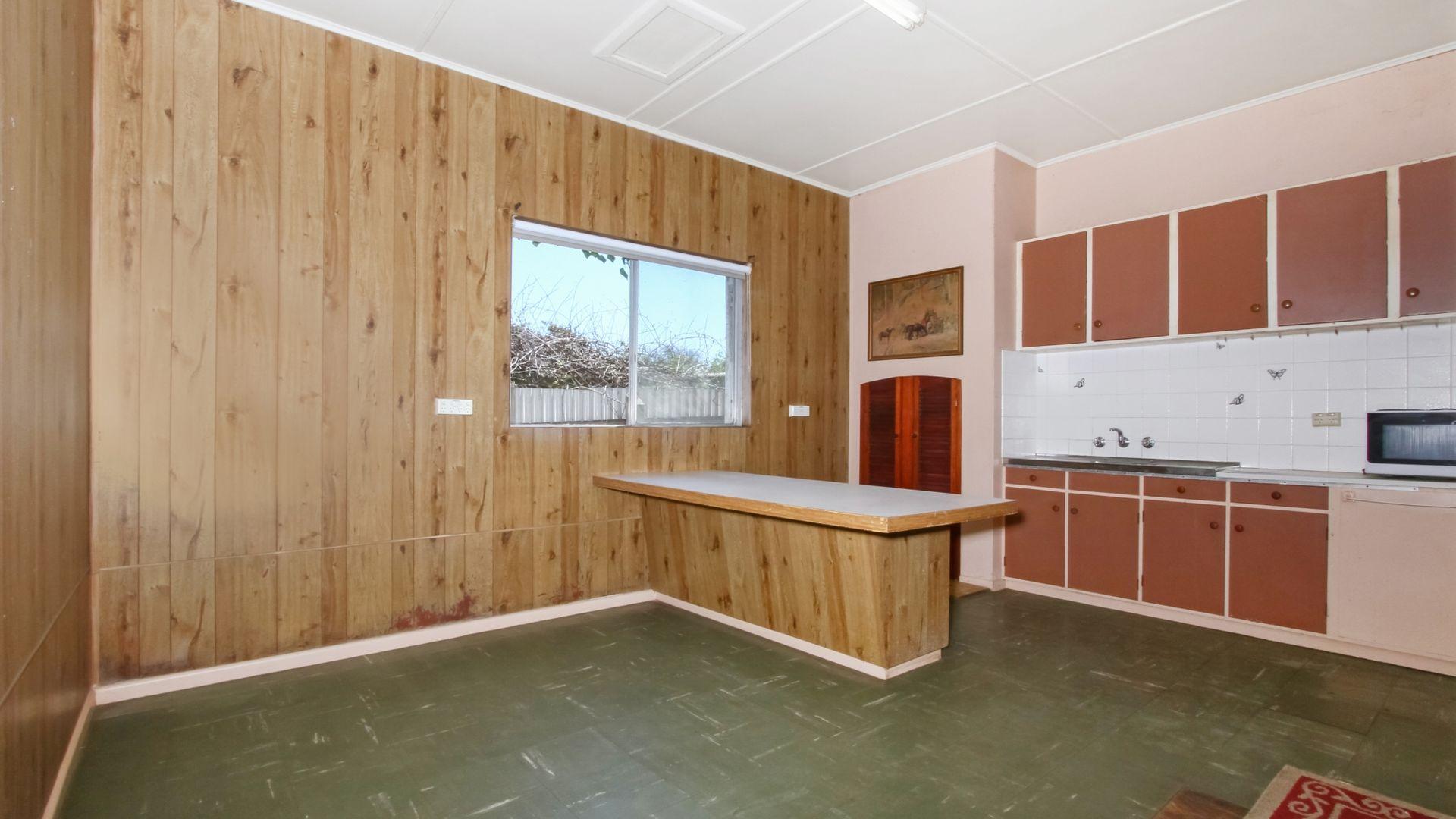 11 Walker Street, Goulburn NSW 2580, Image 2