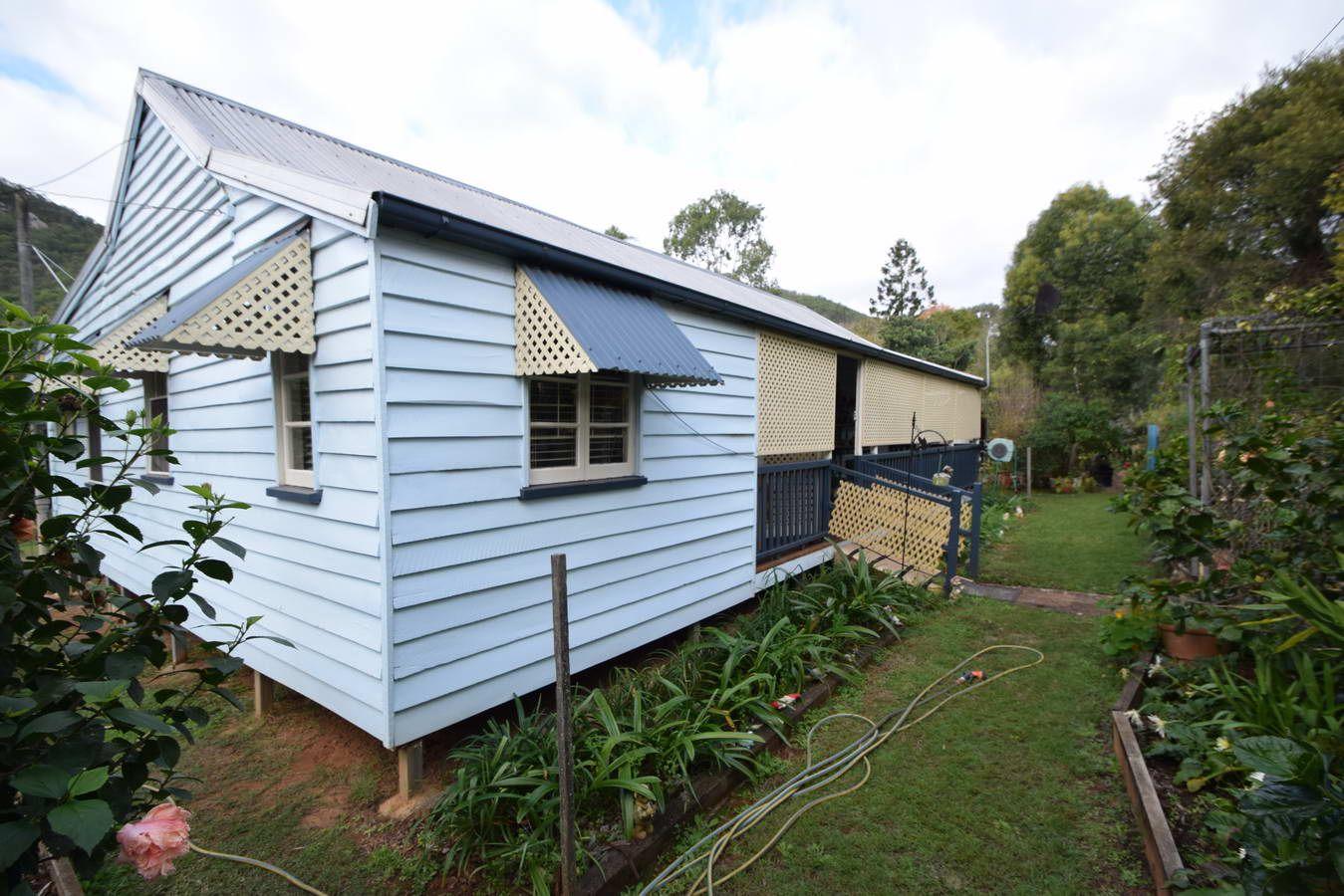 27 Francis Terrace, Esk QLD 4312, Image 0