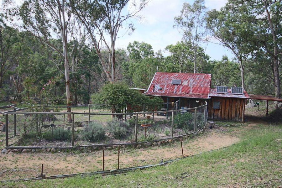 1241 Woodside Road, Tenterfield NSW 2372, Image 2