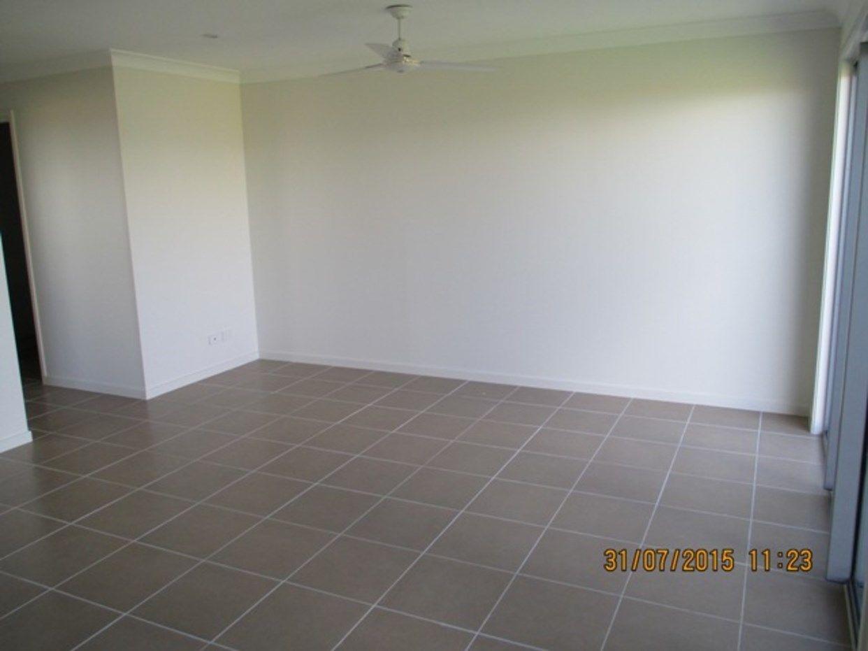 1 & 2/5 Intelligence Street, Oonoonba QLD 4811, Image 2