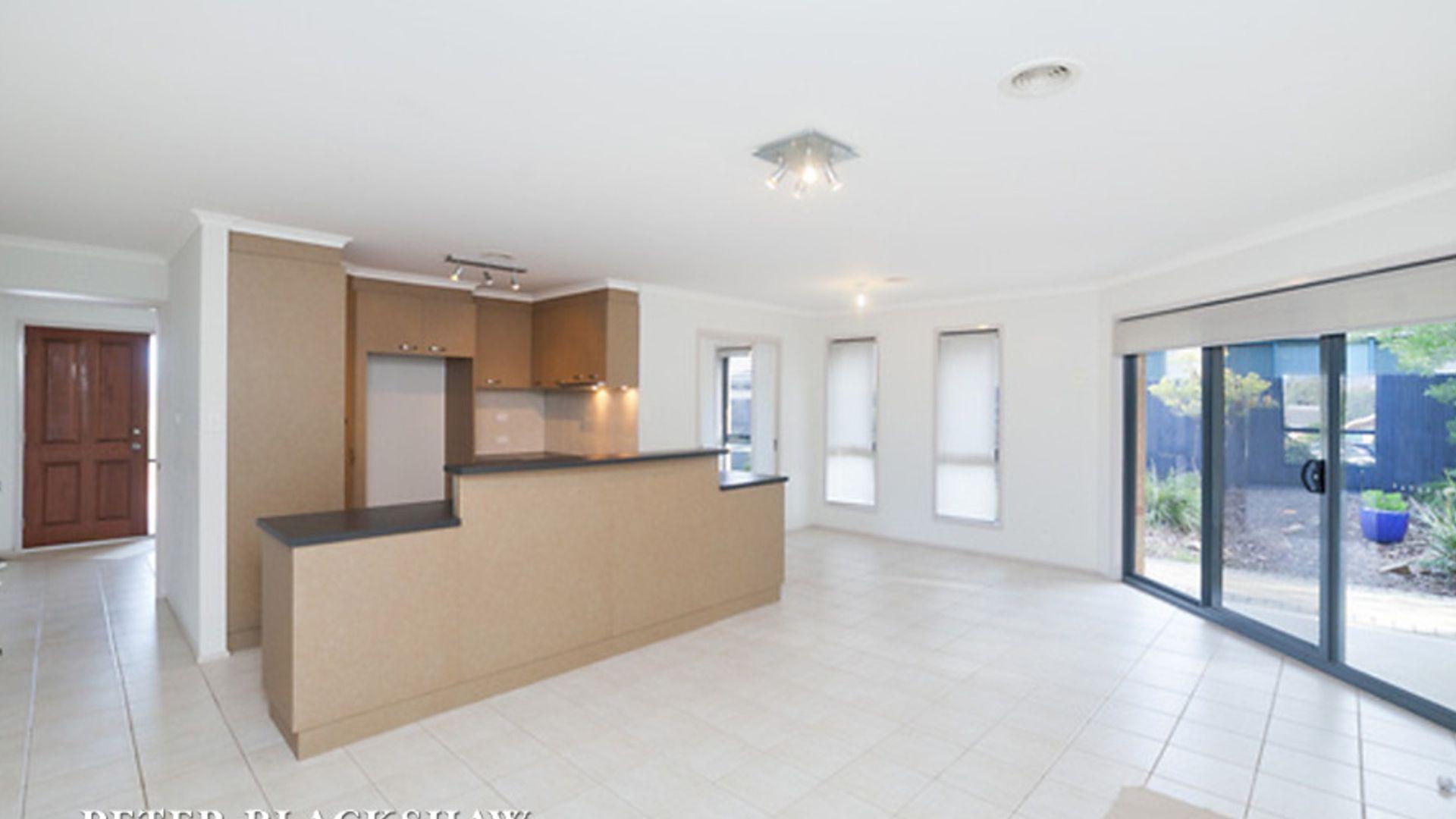 41 Unwin Avenue, Jerrabomberra NSW 2619, Image 2