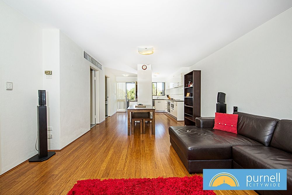 201/10 Currie Crescent, Griffith ACT 2603, Image 2