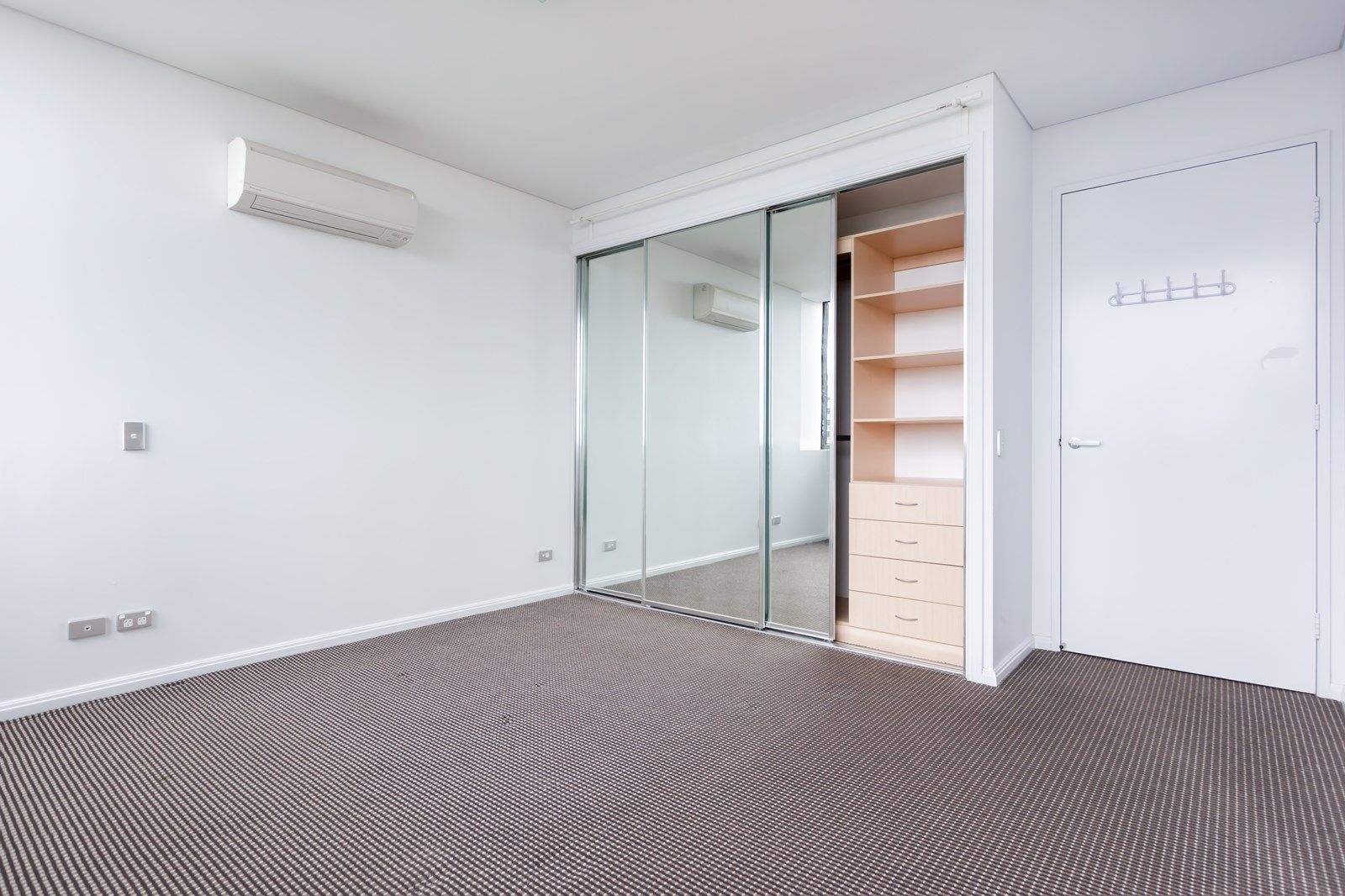 LV12/20 Gadigal avenue, Zetland NSW 2017, Image 2