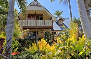 Picture of 165 Barolin Esplanade, Coral Cove QLD 4670