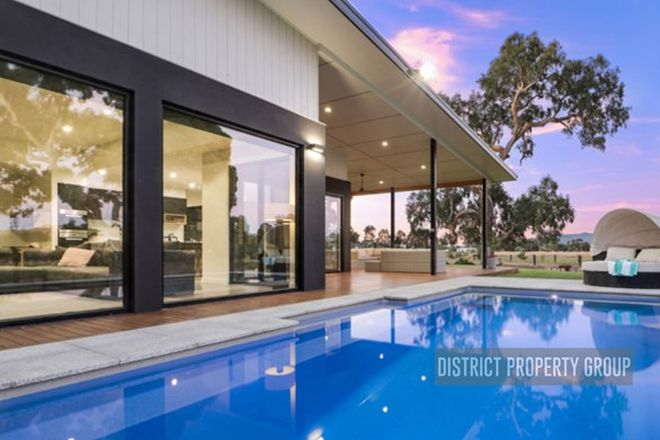 Picture of 11 Saddle Court, MANSFIELD VIC 3722
