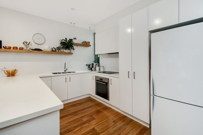 52 Birrell Street, Bondi Junction NSW 2022, Image 2