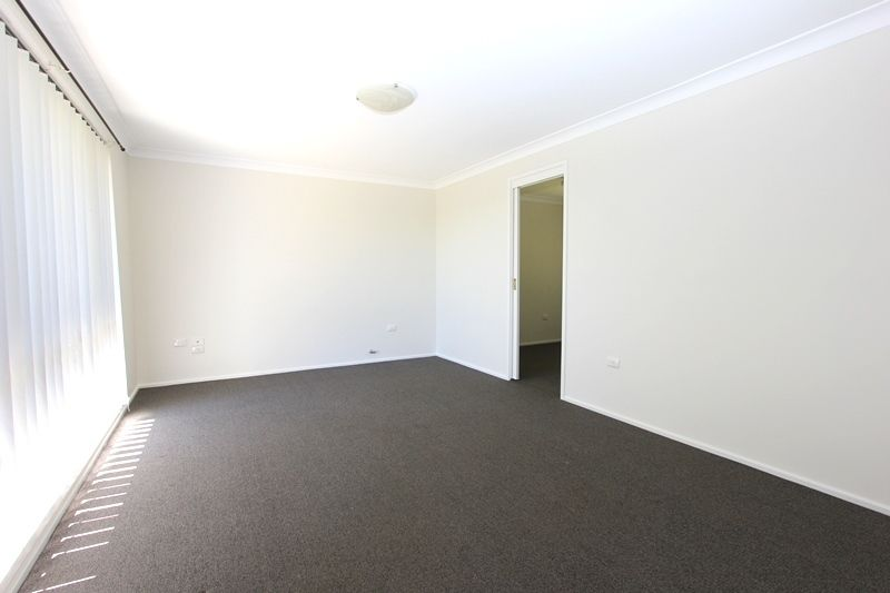 24 Paul Crescent, Moss Vale NSW 2577, Image 1
