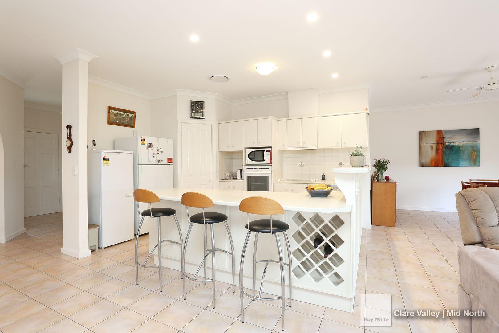 12 Kingston Terrace, Auburn SA 5451, Image 2