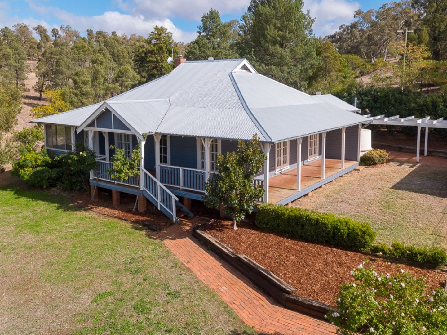 'Raymond Hill Cottage' 32R/A Benolong Road, Dubbo NSW 2830, Image 0
