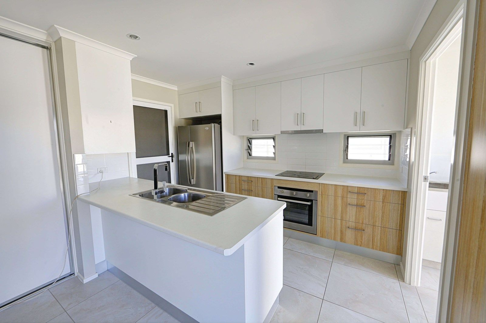 Unit 2/27 Holland St, Bargara QLD 4670, Image 1