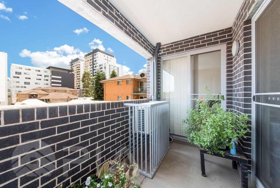 11/4 Peace Lane, Parramatta NSW 2150, Image 1