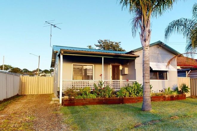 Picture of 4 Floraville Road, BELMONT NORTH NSW 2280