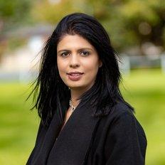 Simi Dehal, Sales representative