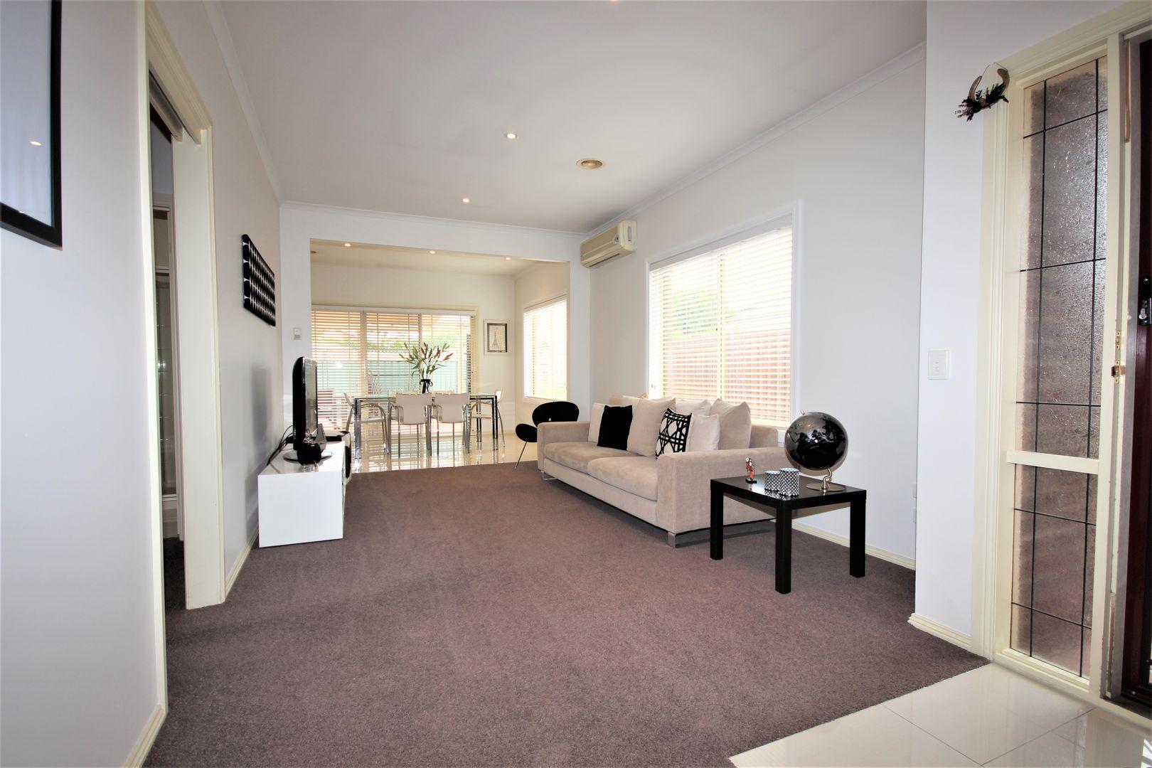 18 Richmond Place, Geelong VIC 3220, Image 2