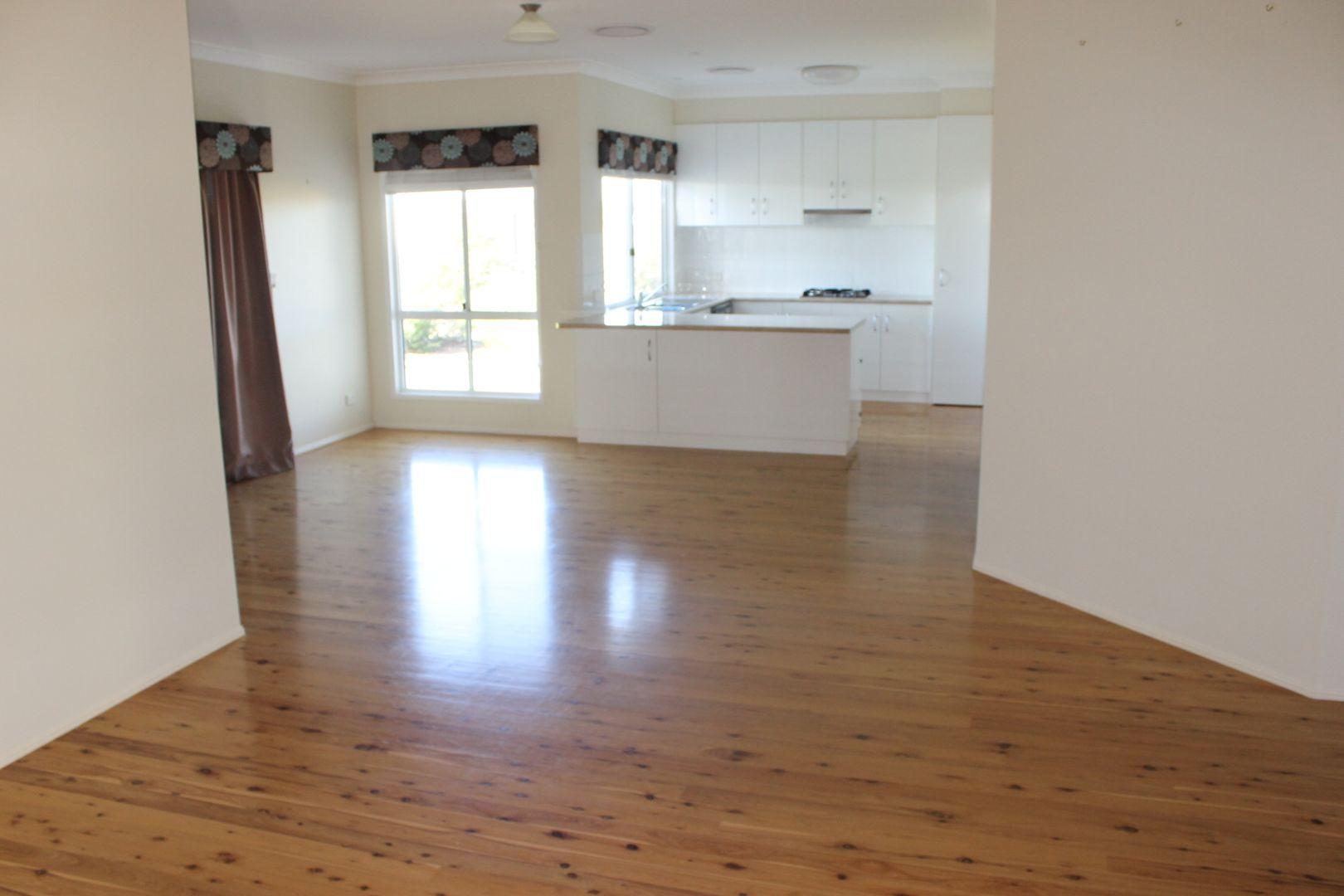 25 Diamond Drive, Dalby QLD 4405, Image 1