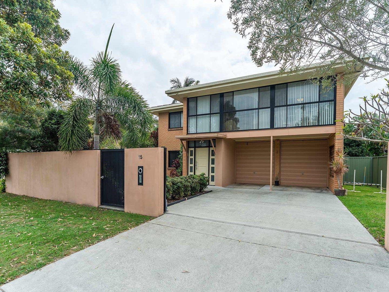 15 Donald Avenue, Paradise Point QLD 4216, Image 0