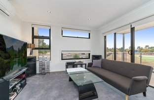 Picture of 31/8 The Crossing, Caroline Springs VIC 3023