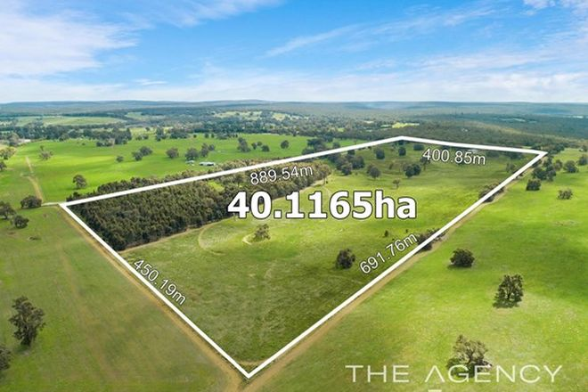 Picture of 445 Squarcini Close, BAILUP WA 6082