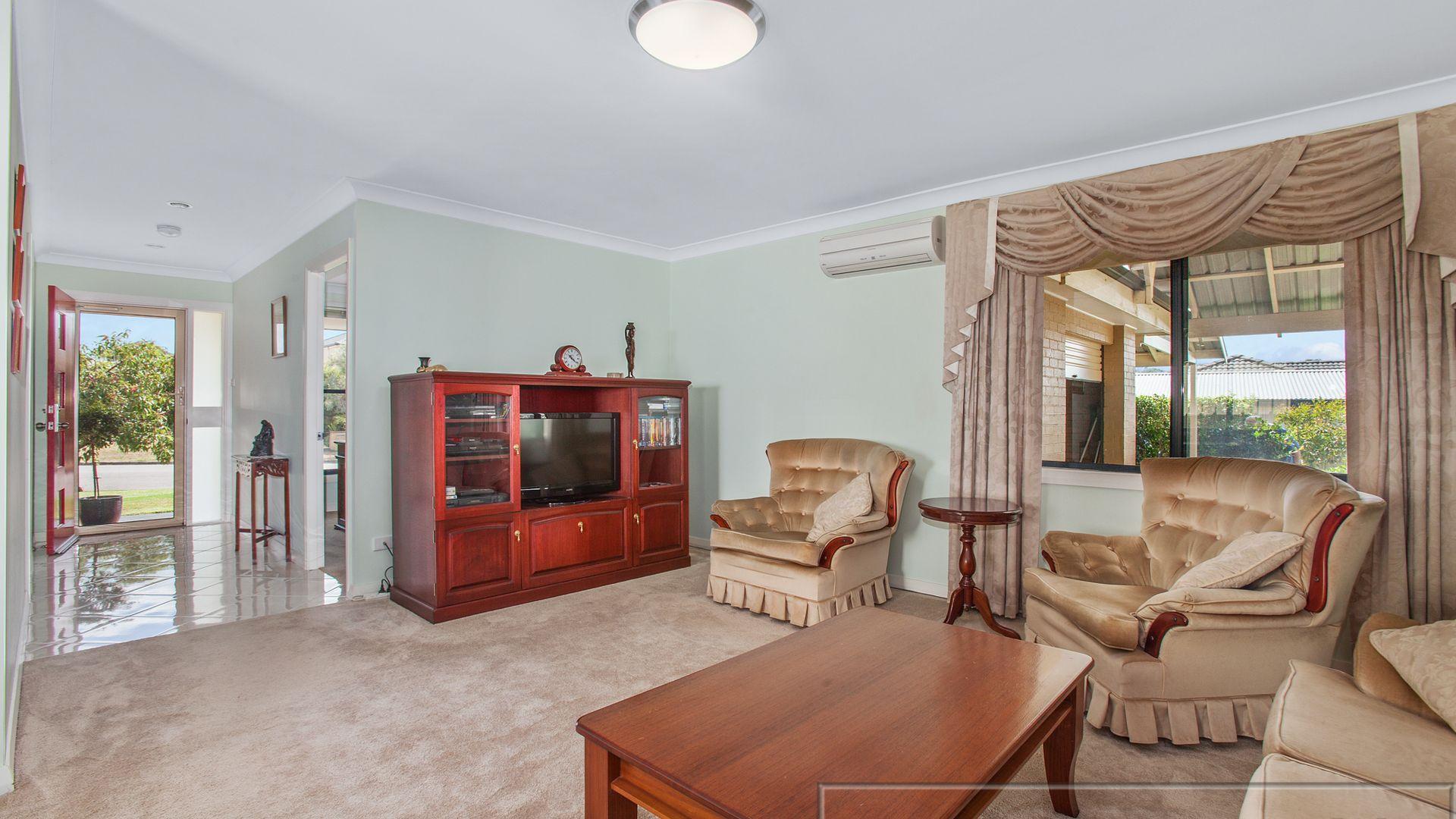111 Avery Street, Aberglasslyn NSW 2320, Image 2