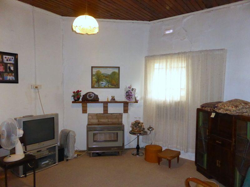 10 Bollinger Street, Parkes NSW 2870, Image 2