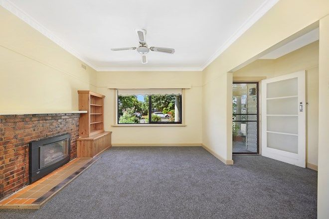 Picture of 52 Murphy Street, ROMSEY VIC 3434