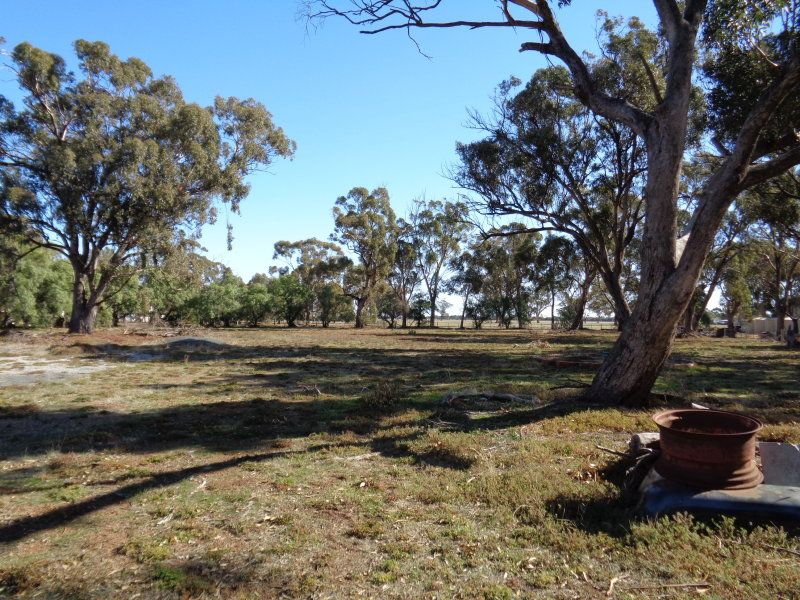 1 Railway Road, Rochester VIC 3561, Image 1