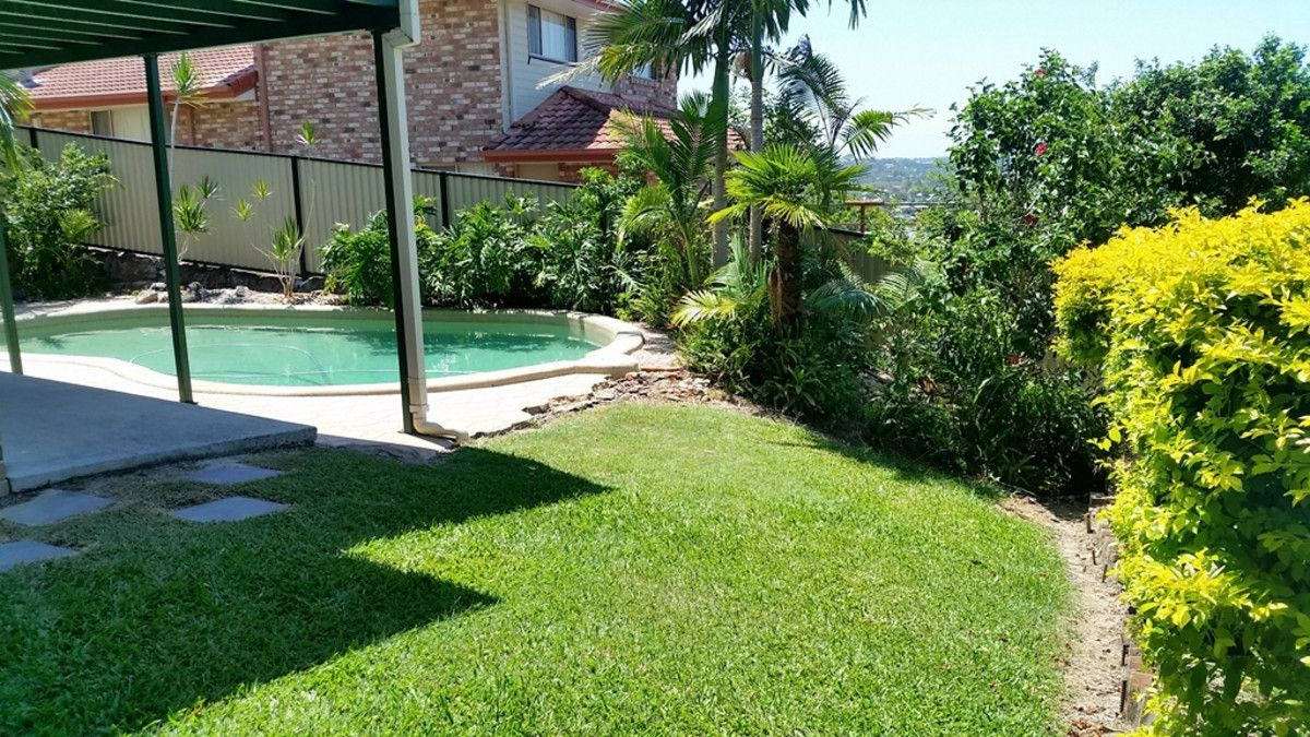 24 Robinson Place, Currumbin Waters QLD 4223, Image 2