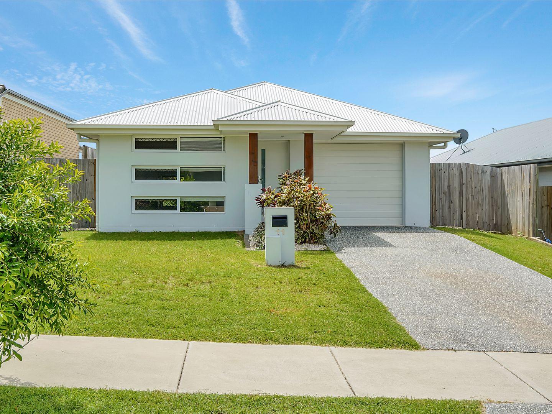 11 Bowerbird Street, Deebing Heights QLD 4306, Image 0