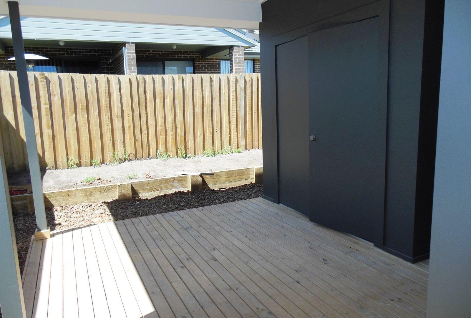 12a McGuire Crescent, Bardia NSW 2565, Image 2