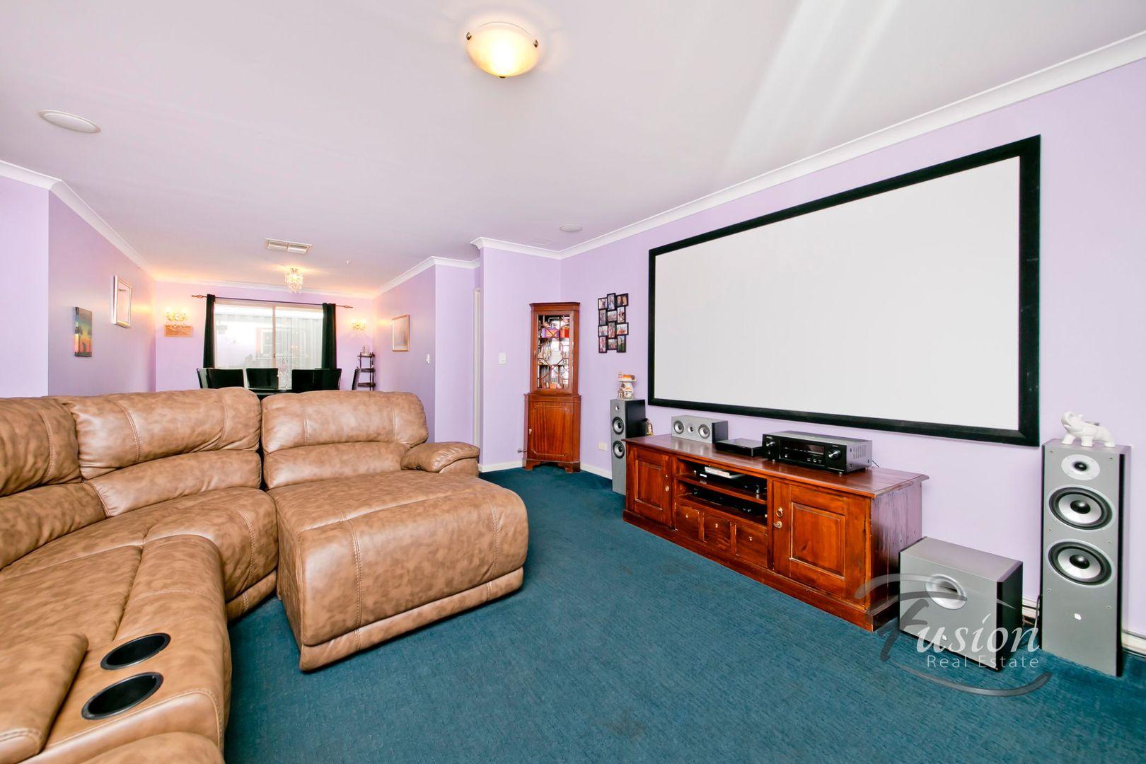 8 Carterton Place, Padbury WA 6025, Image 2