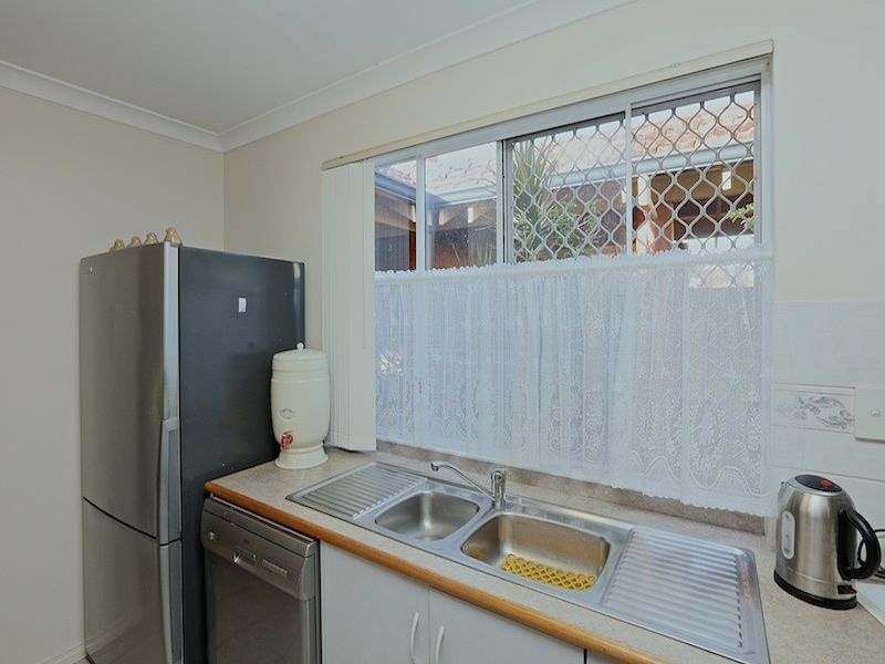 9/10 Williamson Way, Trigg WA 6029, Image 2