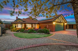Picture of 20 Leichardt Close, Taylors Lakes VIC 3038