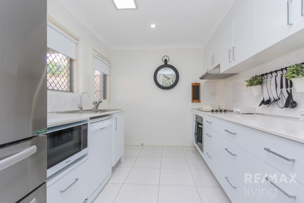 241 Oxley Avenue, Margate QLD 4019, Image 2