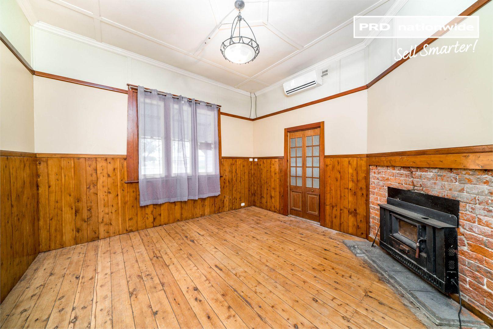 19 Ferrier Street, Lockhart NSW 2656, Image 2