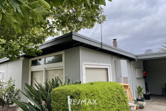 Picture of 76 Roadknight Street, LAKES ENTRANCE VIC 3909