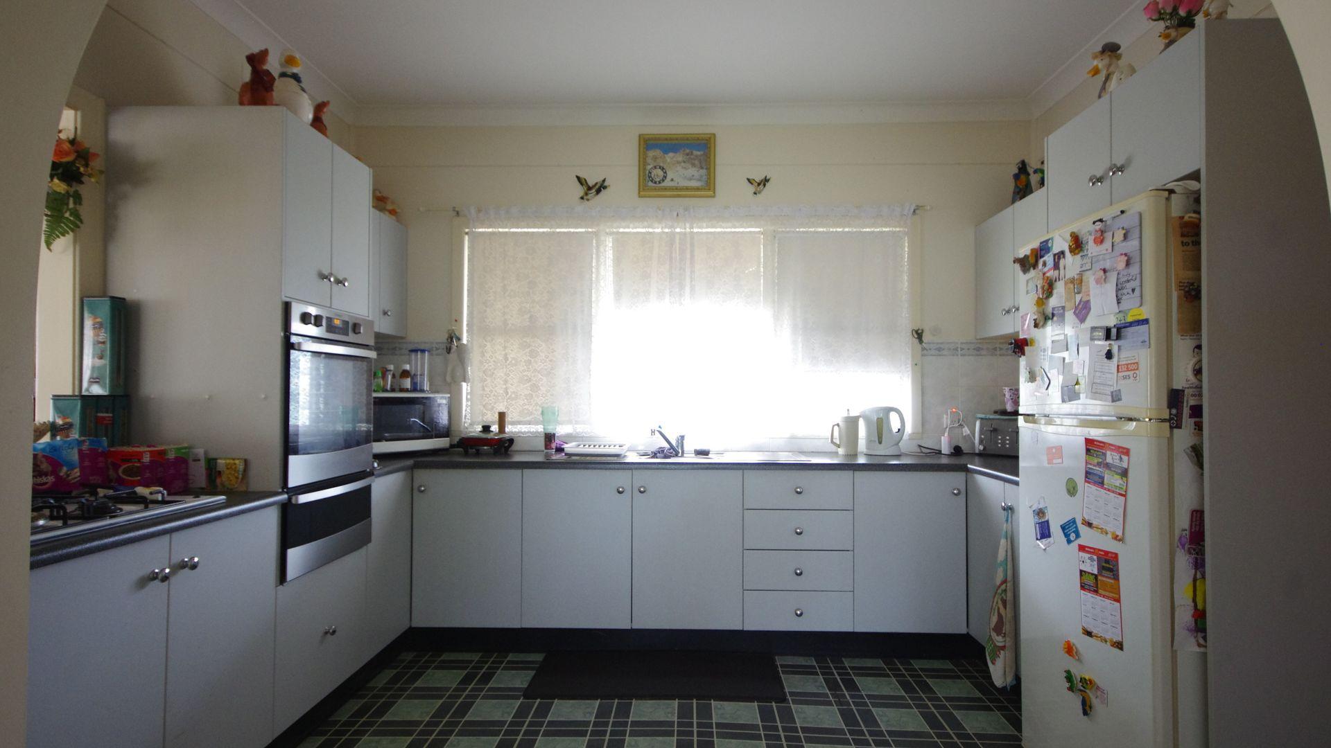 151 Taragala Street, Cowra NSW 2794, Image 2