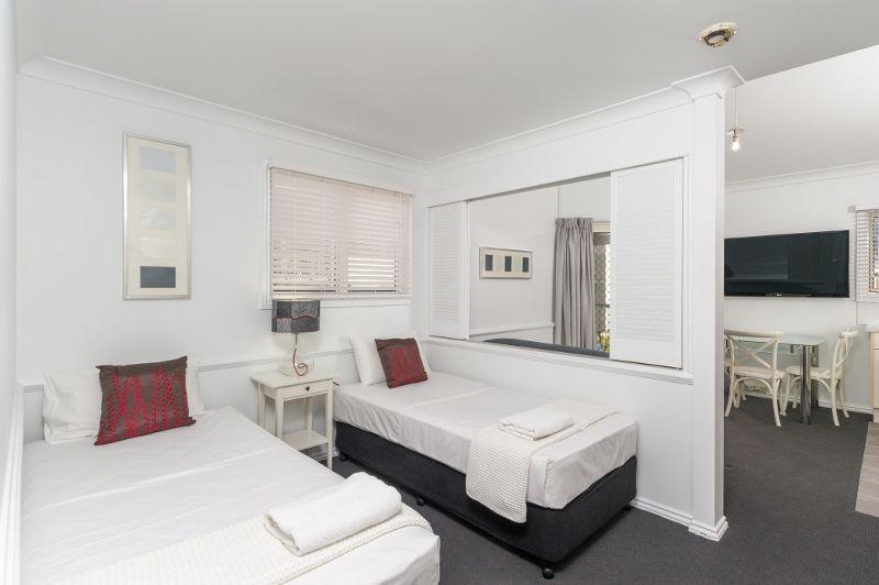 32/45 Wharf Street, Kangaroo Point QLD 4169, Image 2