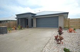 Picture of 2 Wallace Court, Urangan QLD 4655