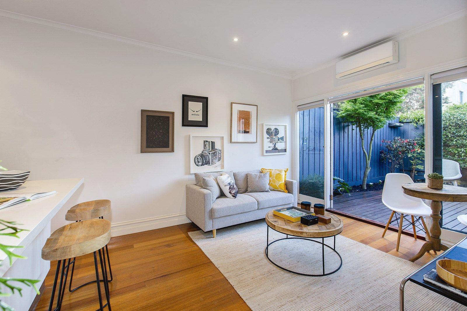 10 Peckville Street, Port Melbourne VIC 3207, Image 2