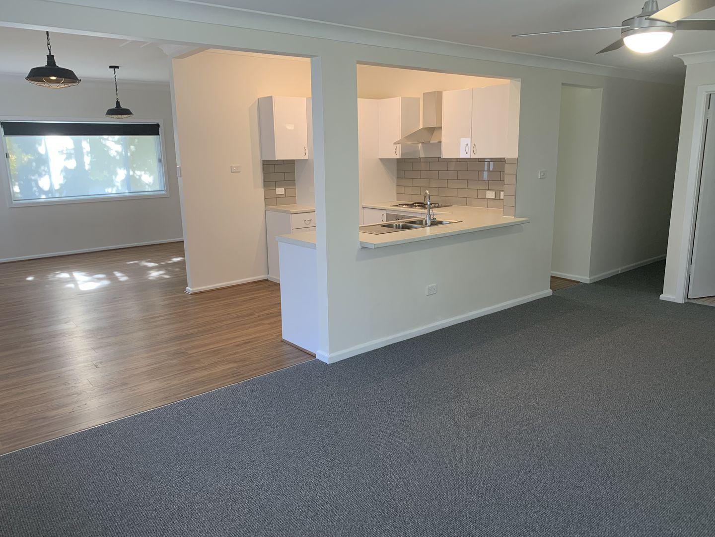 33 Oxford Falls Road, Beacon Hill NSW 2100, Image 2