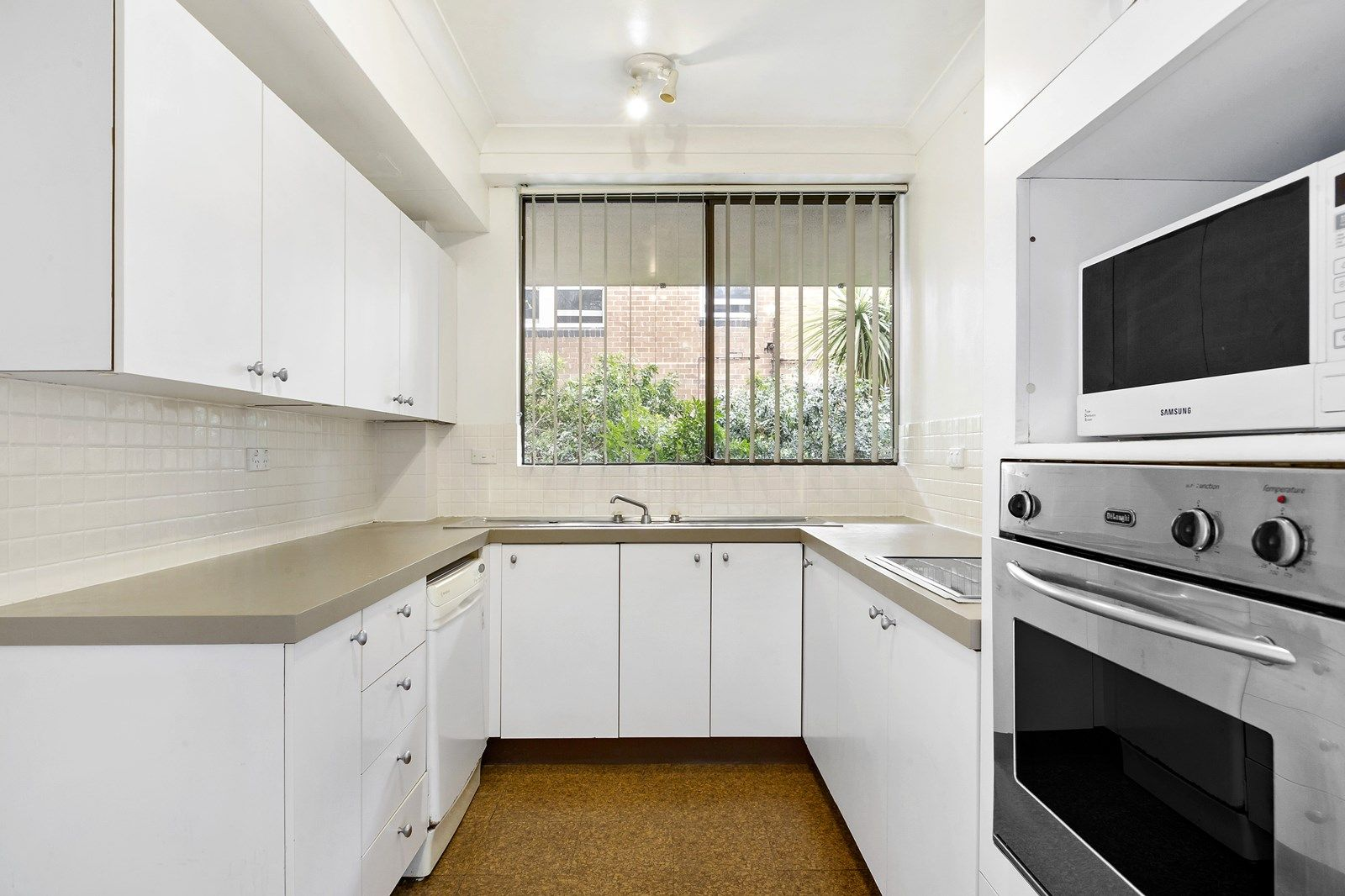 10/57 Yeo Street, Neutral Bay NSW 2089, Image 2