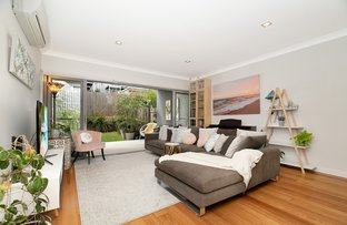 Picture of 3/66 Overend Street, Norman Park QLD 4170
