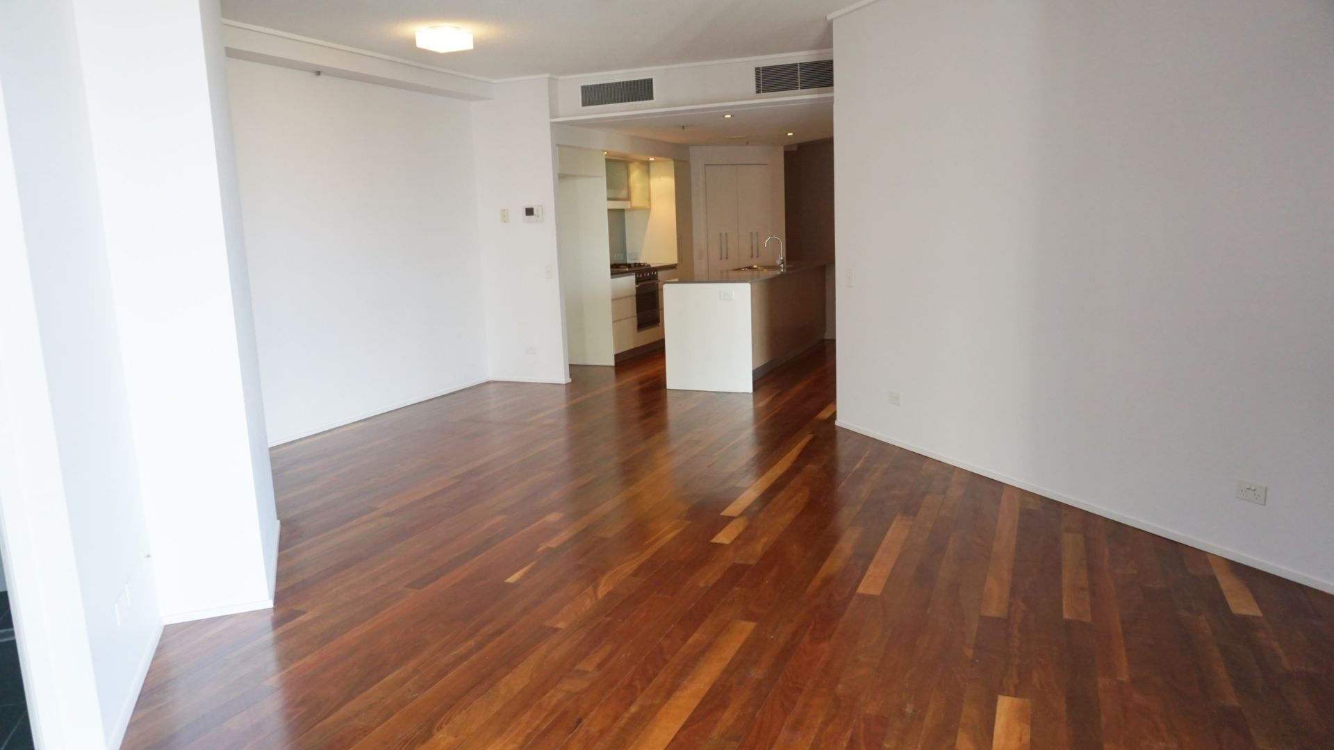 16/30 Macrossan Street, Brisbane City QLD 4000, Image 2