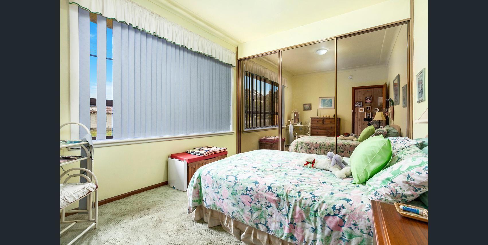 10 Hopetoun Street, Oak Flats NSW 2529, Image 2