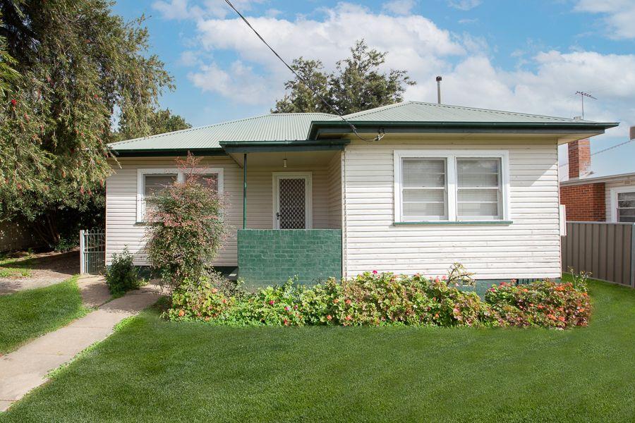 6 Edward Street, South Tamworth NSW 2340