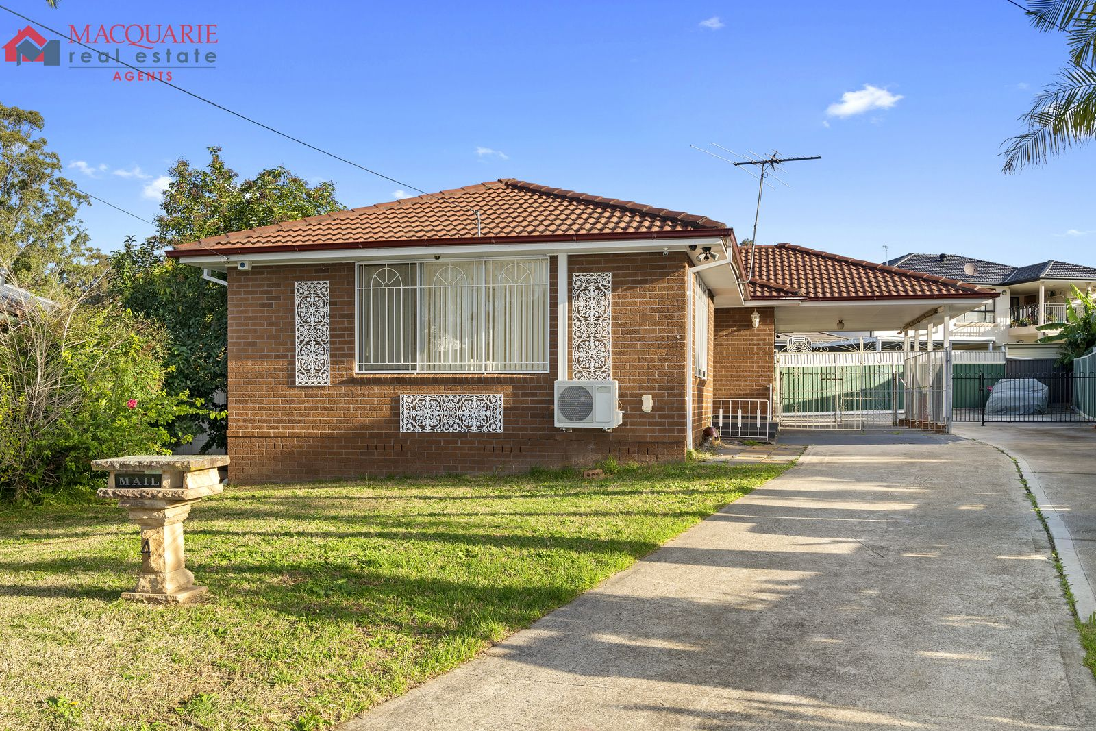 4 Charlotte  Close, Lurnea NSW 2170, Image 0