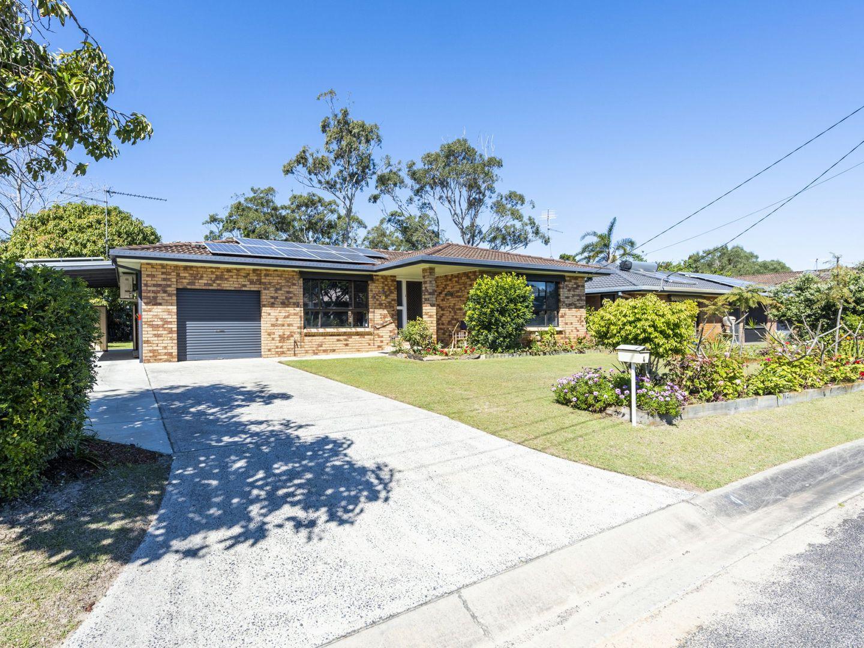 4 Gundaroo Crescent, Iluka NSW 2466, Image 1