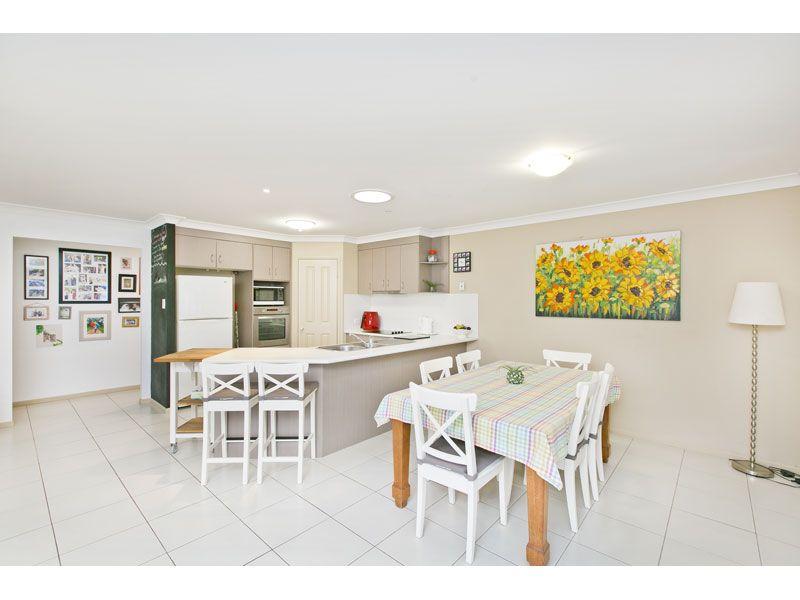 37 Emperor Drive, Redland Bay QLD 4165, Image 2