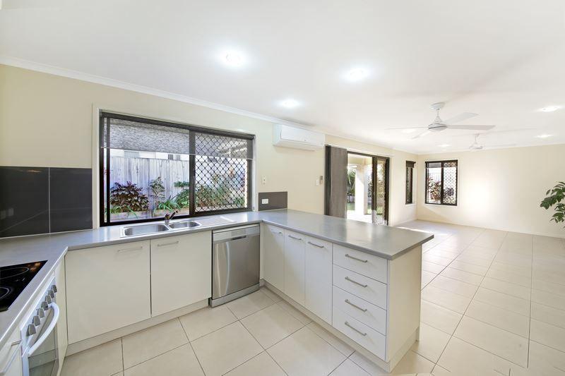18 Feathertop Circuit, Caloundra West QLD 4551, Image 1